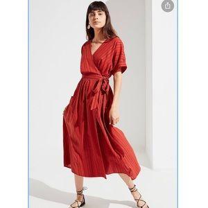 UO Gabrielle Linen Midi Wrap Dress Drop Sleeve Med